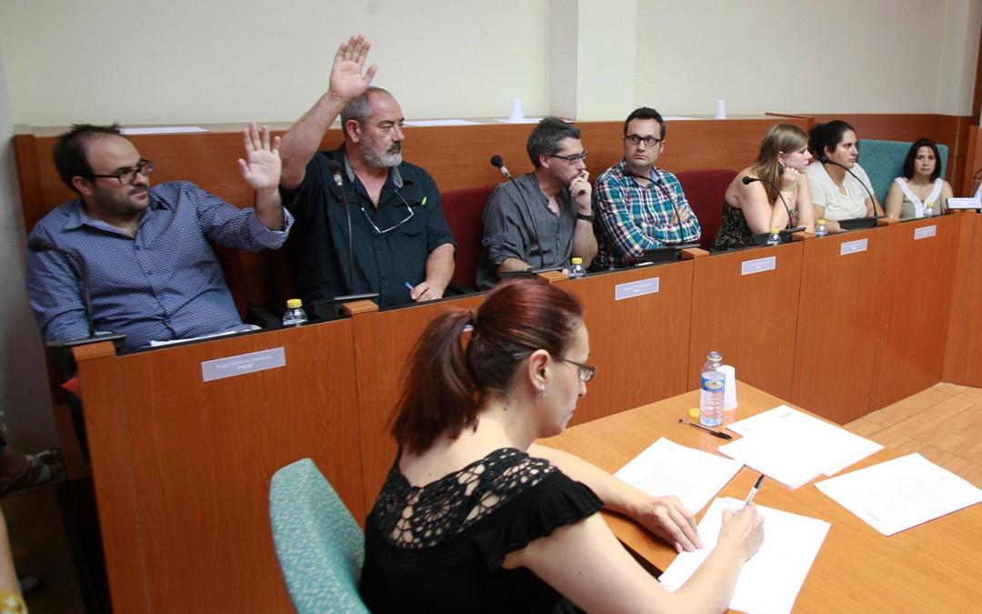 Gabriel Dorado y Angel Martínez votando con PP