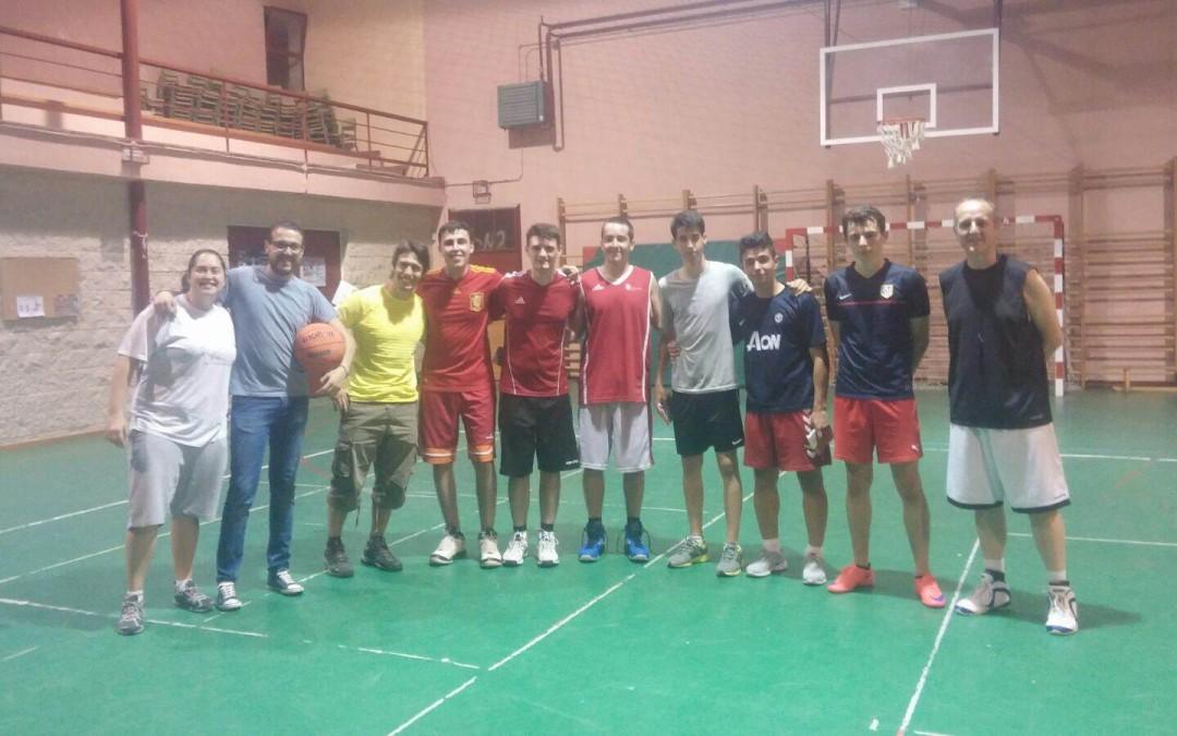 Baloncesto 3×3 sábado 4.6.16 poli El Raso 21h