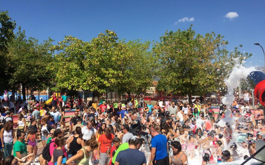 Fiesta de la espuma en El Raso
